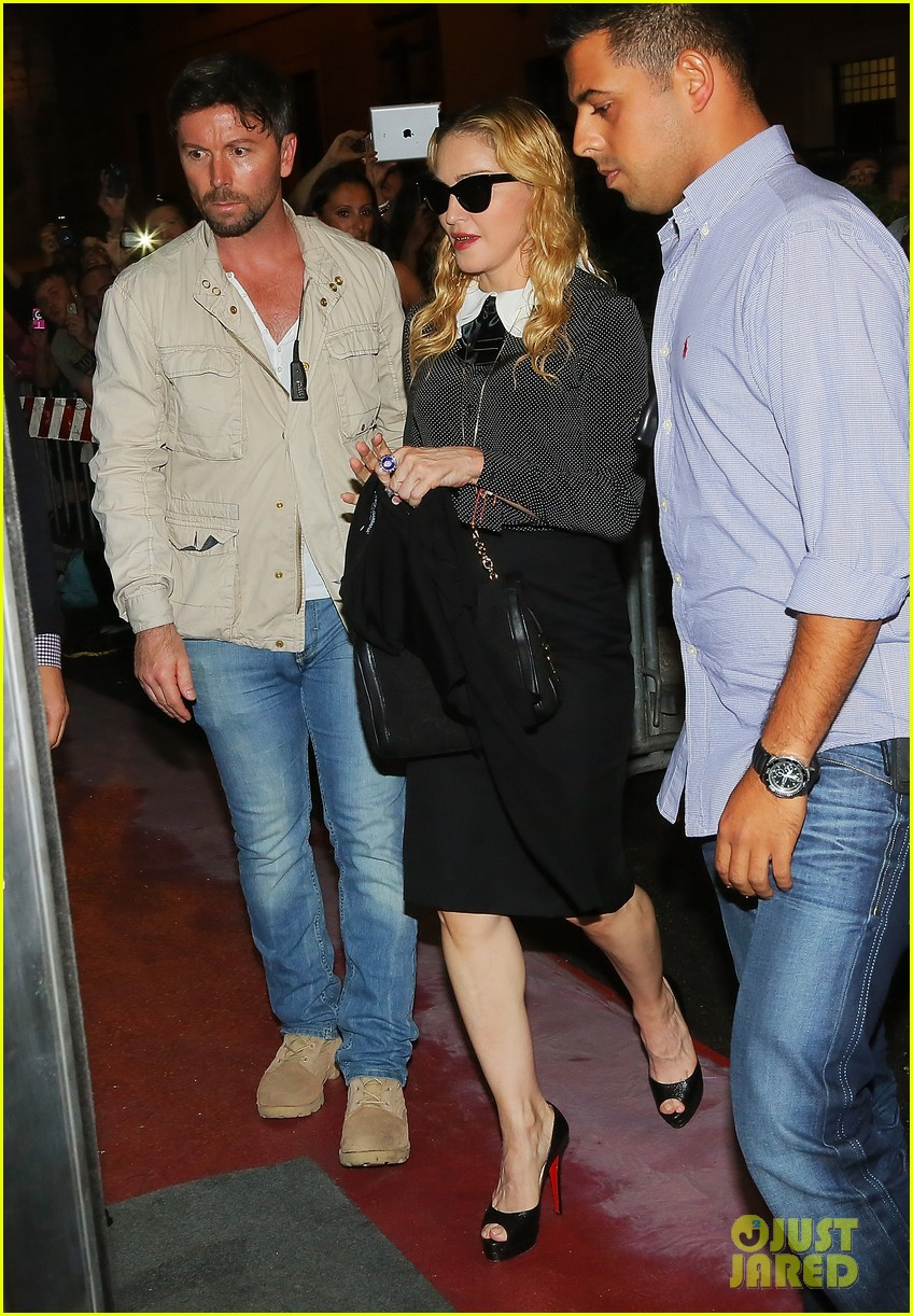 madonna hard candy fitness center visit in rome 07