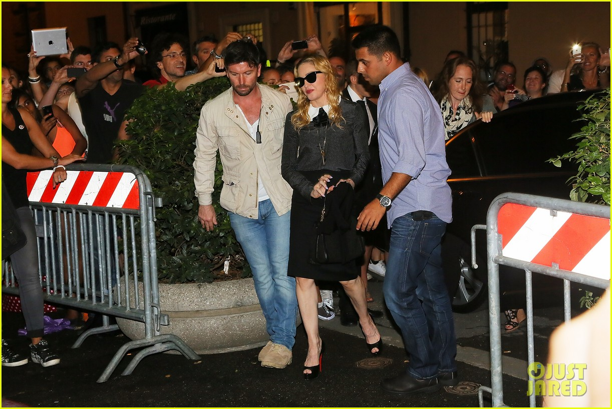 madonna hard candy fitness center visit in rome 09
