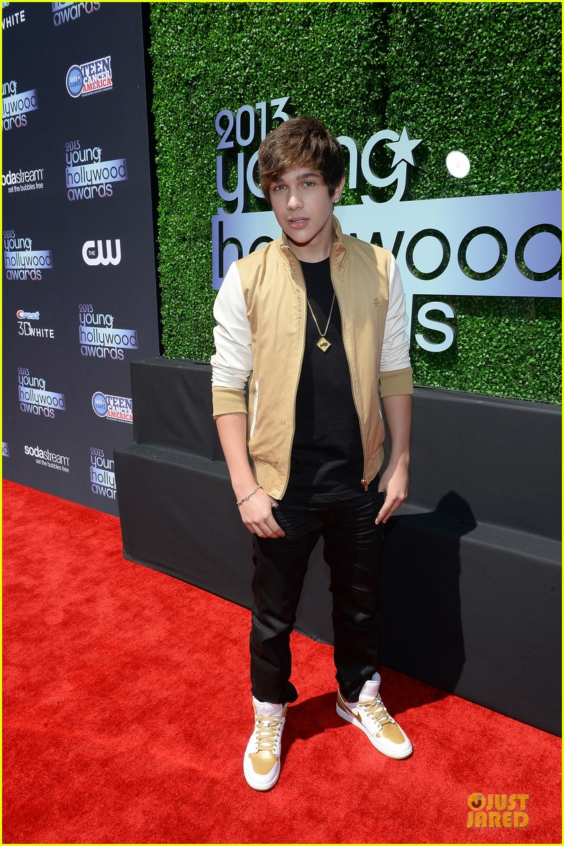 austin mahone becky g young hollywood awards 2013 red carpet 09