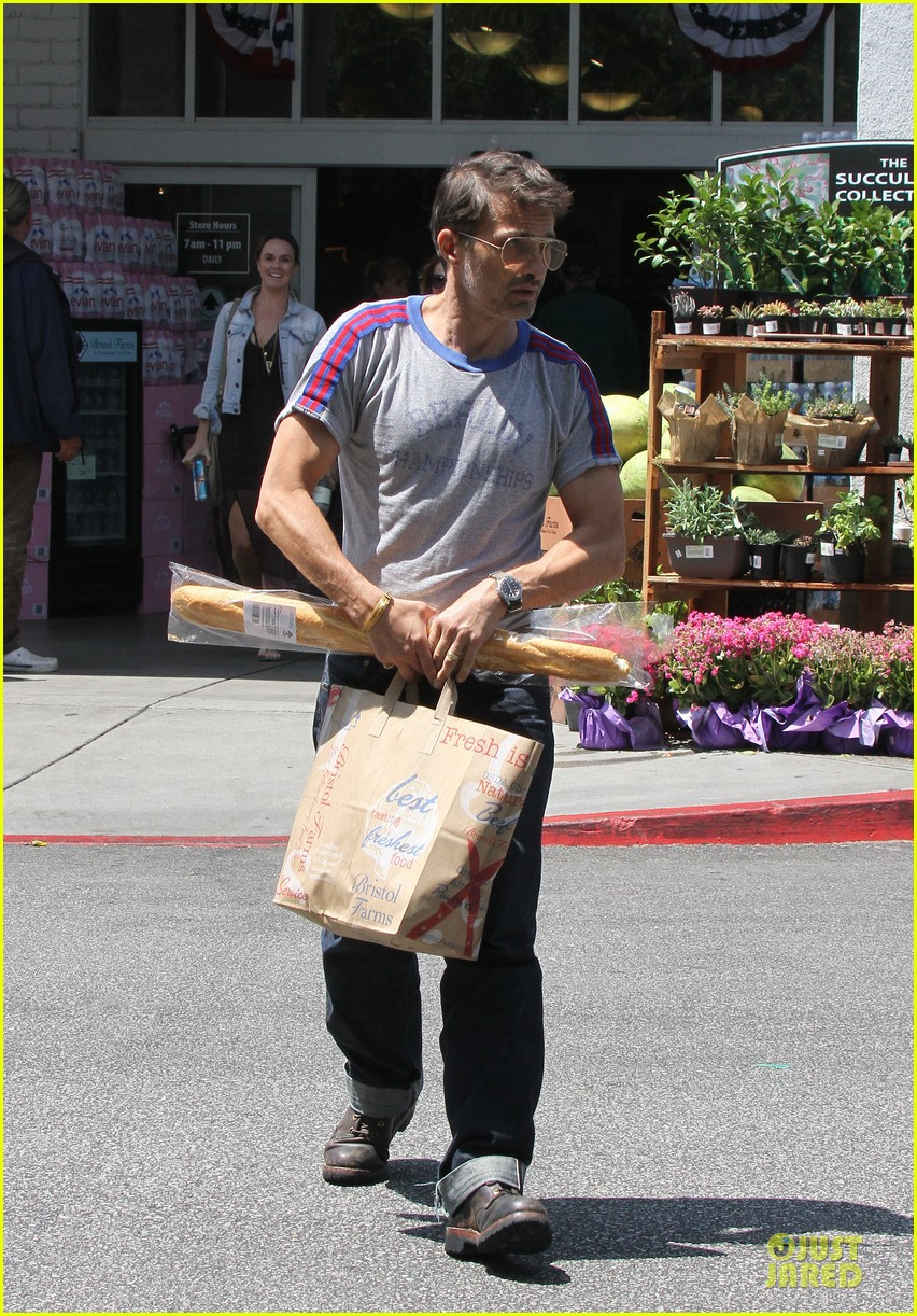 olivier martinez baguette craving after halle berry birthday 12
