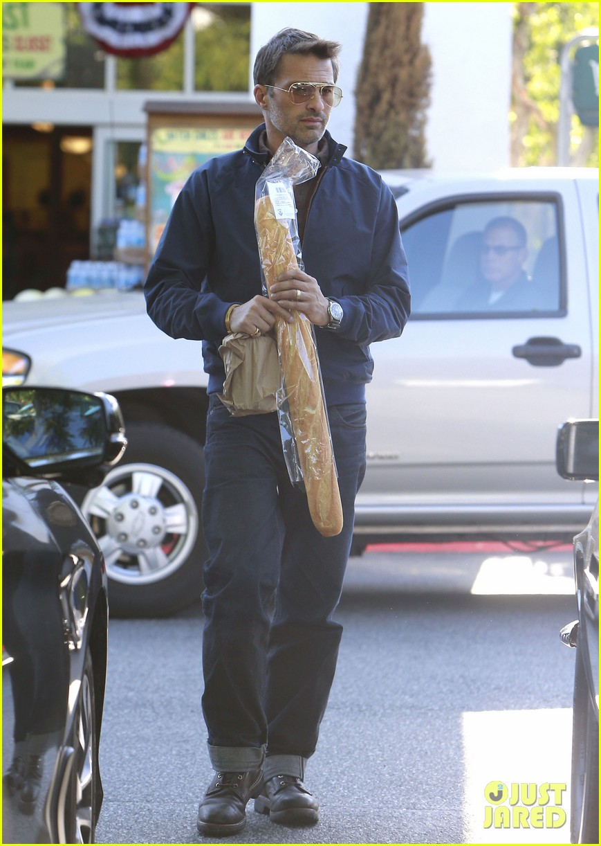 olivier martinez buys two baguettes in one week 03