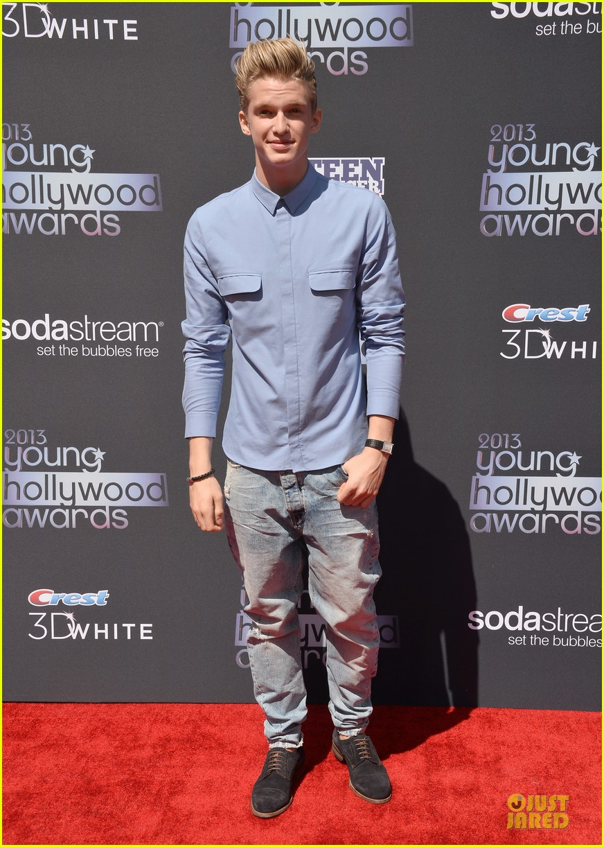 miguel cody simpson perform at young hollywood awards 07