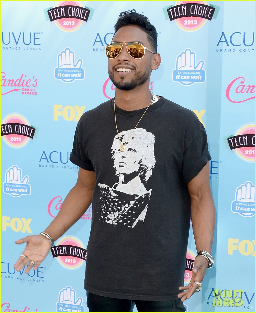 miguel teen choice awards 2013 nazanin mandi 022928006
