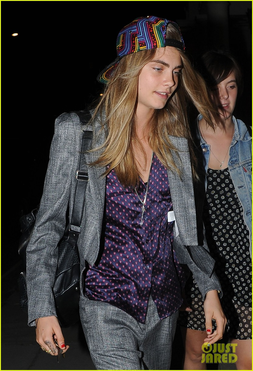 sienna miller cara delevingne party ladies in london 07