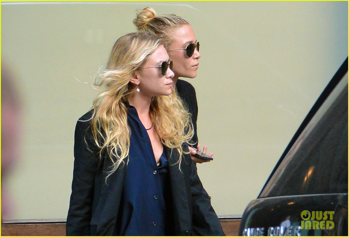 mary kate ashley olsen back in new york after noway trip 03