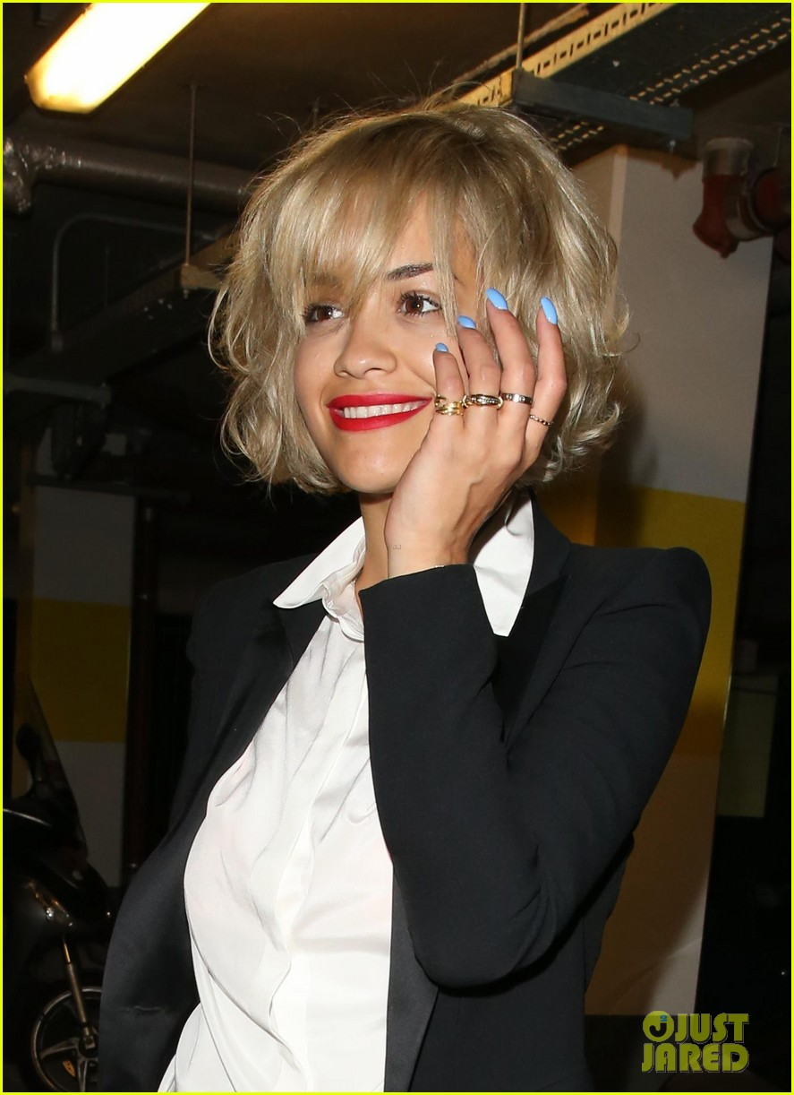 rita ora shows off new short hairdo at percy reed salon 04
