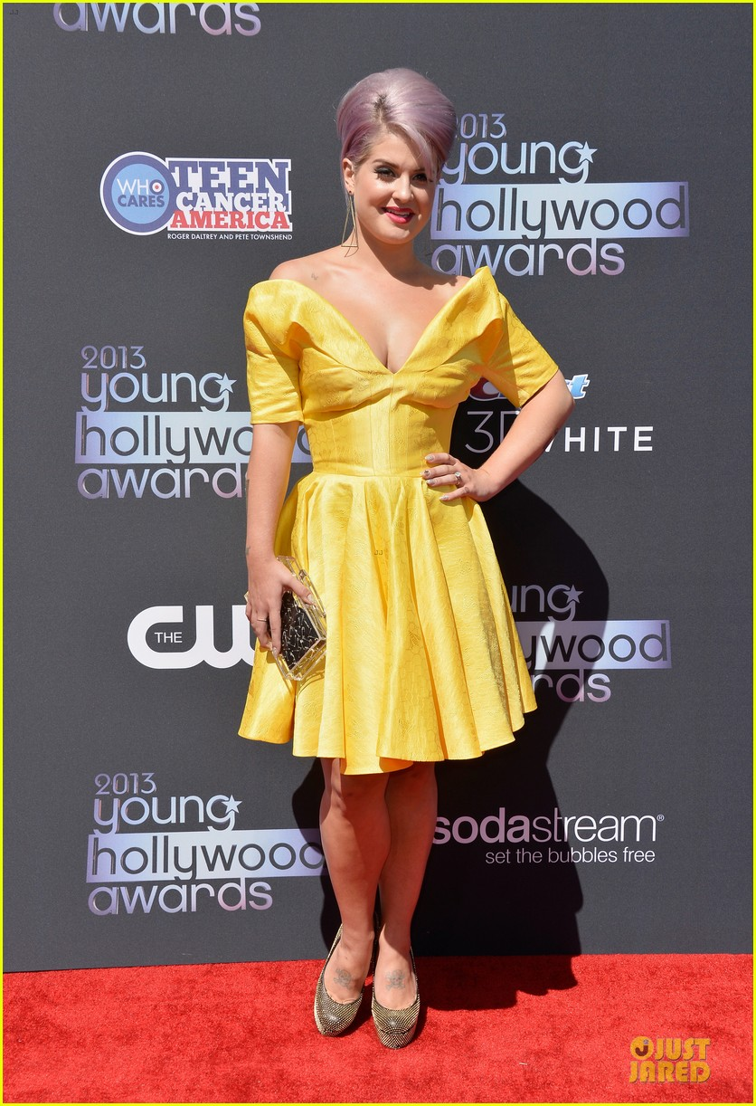 kelly osbourne matthew mosshart young hollywood awards 2013 red carpet 01