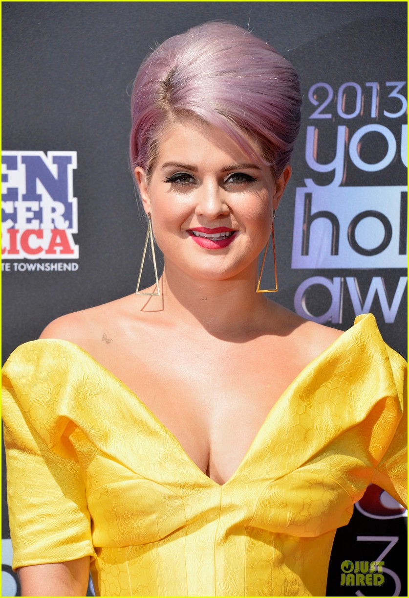 kelly osbourne matthew mosshart young hollywood awards 2013 red carpet 02