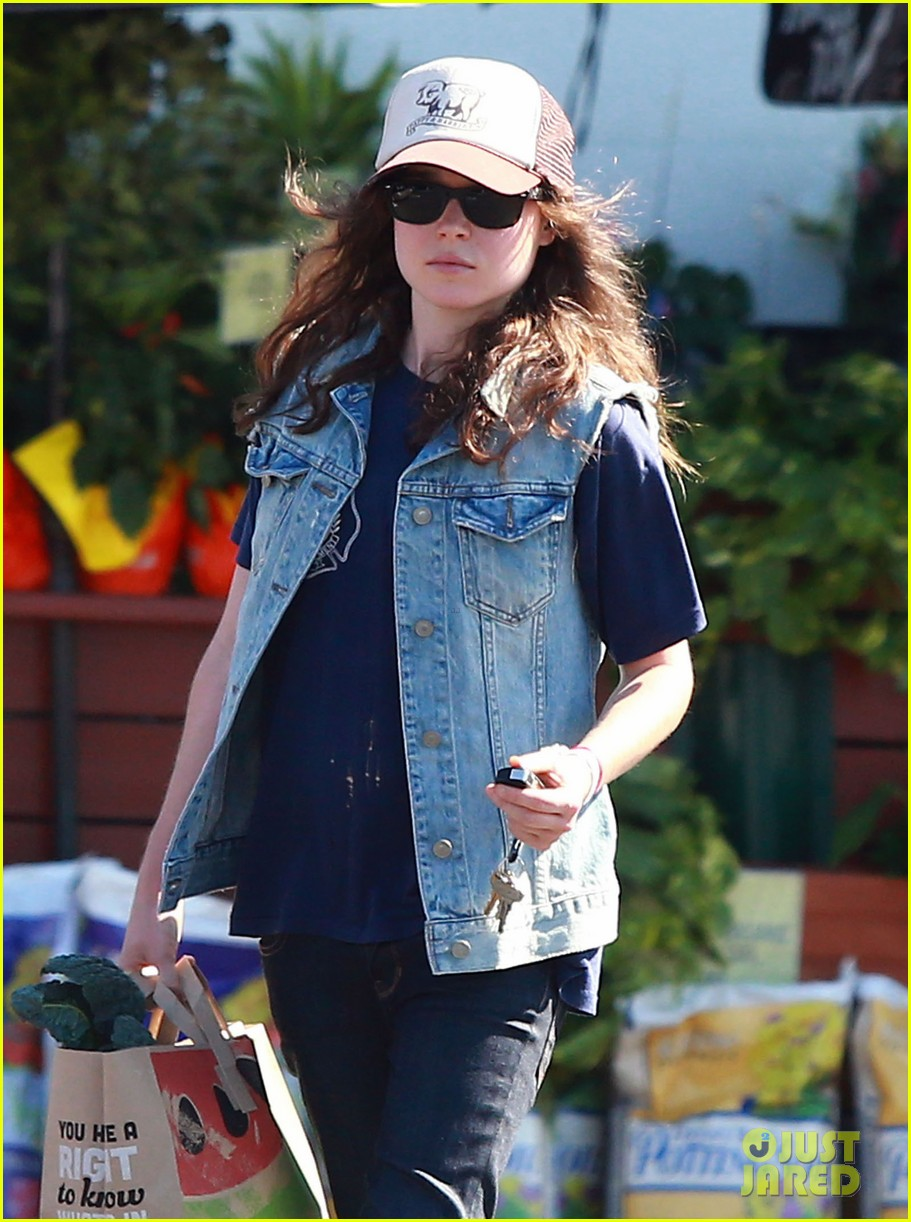 ellen page grocery shops after caution tape day 02