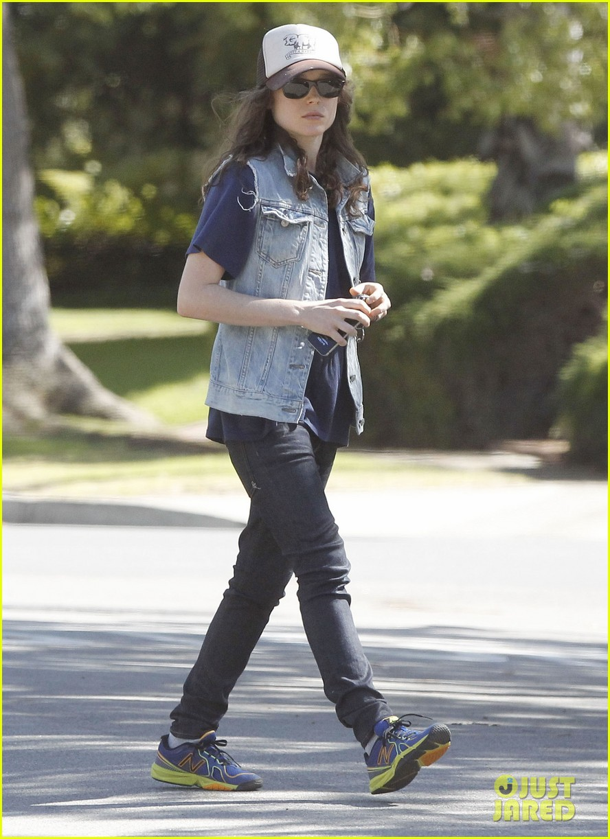 ellen page grocery shops after caution tape day 19