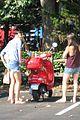 gwyneth paltrow apple moped to coffee shop 10