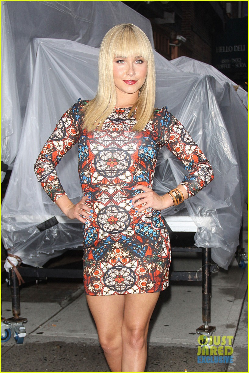 hayden panettiere debuts hot new bangs at letterman 092939499