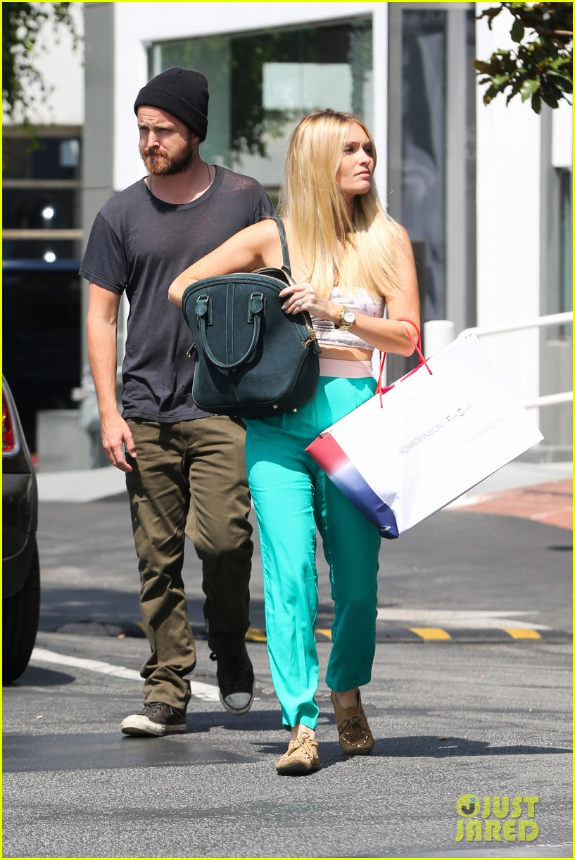 aaron paul breaking bad final script read was teary 072931322