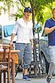 chris pine grabs coffee before work on jack ryan 05