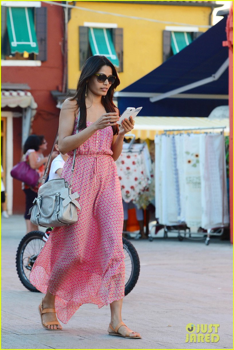 freida pinto venice sightseeing with gabrielle union dwyane wade 01