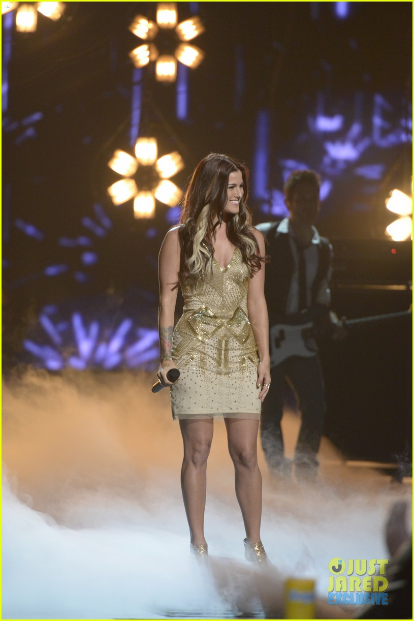 the voice cassadee pope performs on americas got talent 012939745