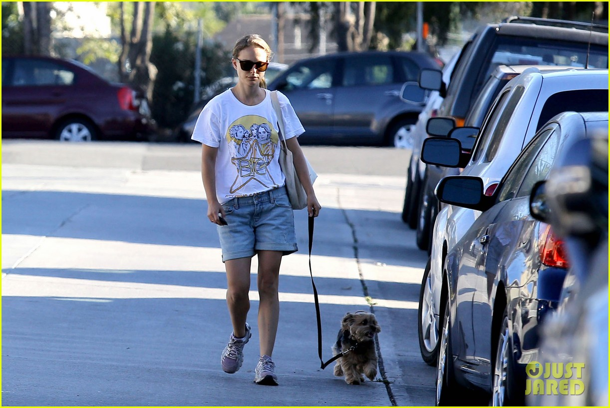 natalie portman wears big star band tee to walk whiz 13