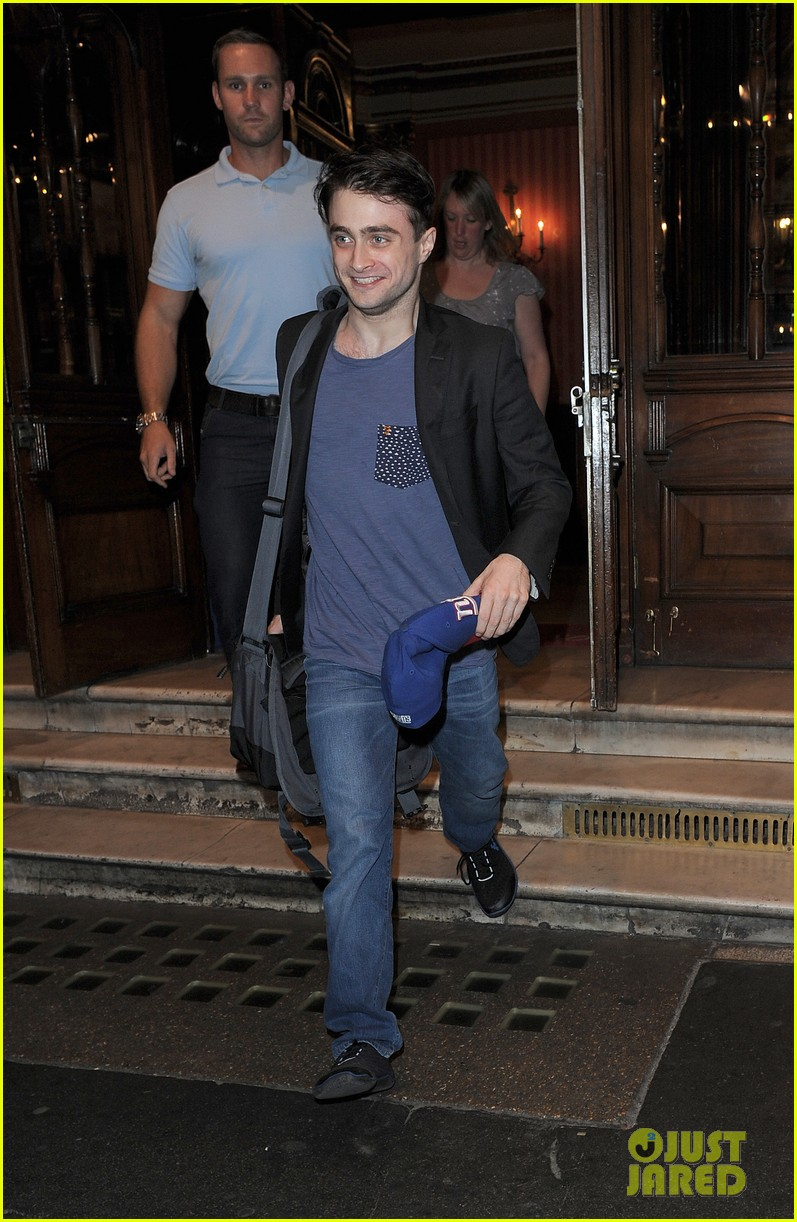 daniel radcliffe im out of my comfort zone on stage 07