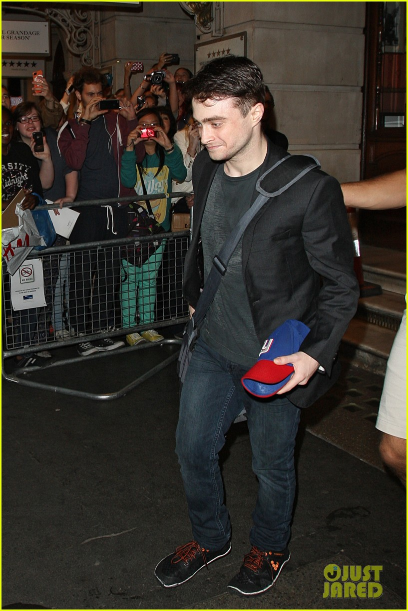 daniel radcliffe is a standup comic says juno temple 09