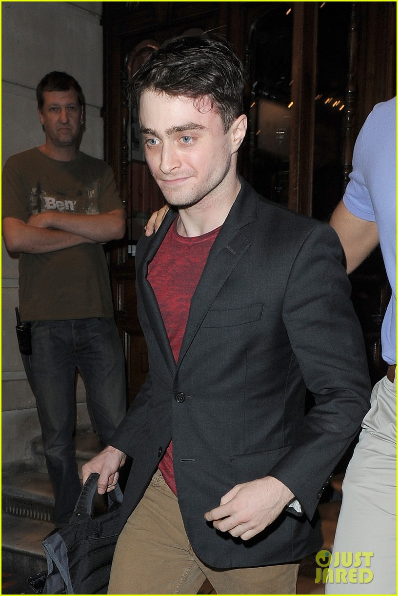 daniel radcliffe is a standup comic says juno temple 20
