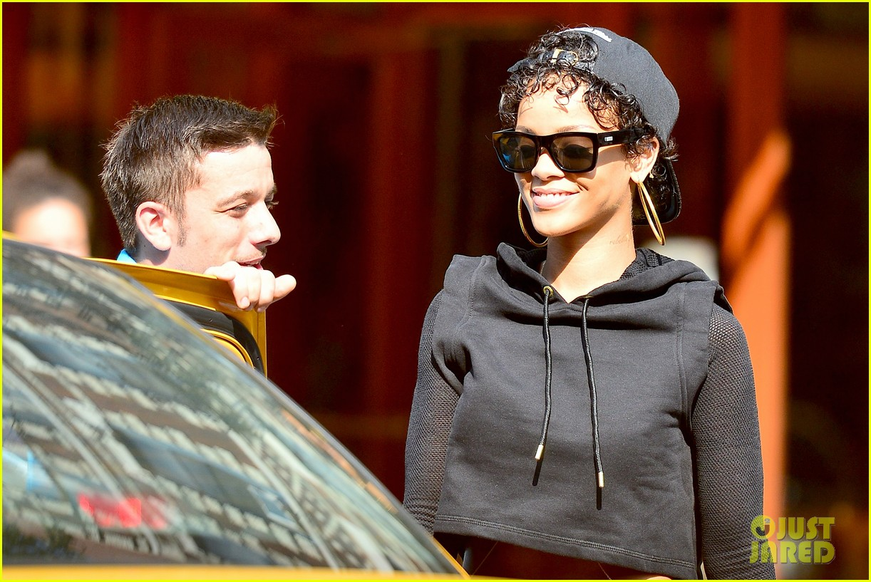 rihanna hails a cab in new york city 11