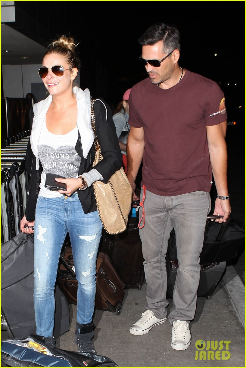 leann rimes birthday lax arrivial with eddie cibrian 032939324