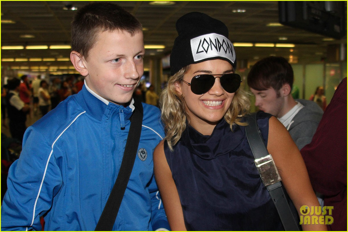 rita ora fan friendly dublin arrival before lytham proms festival 06