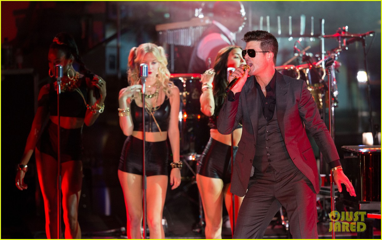 robin thicke files lawsuit to protect blurred lines 102932778