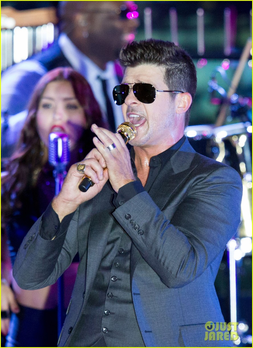 robin thicke files lawsuit to protect blurred lines 11