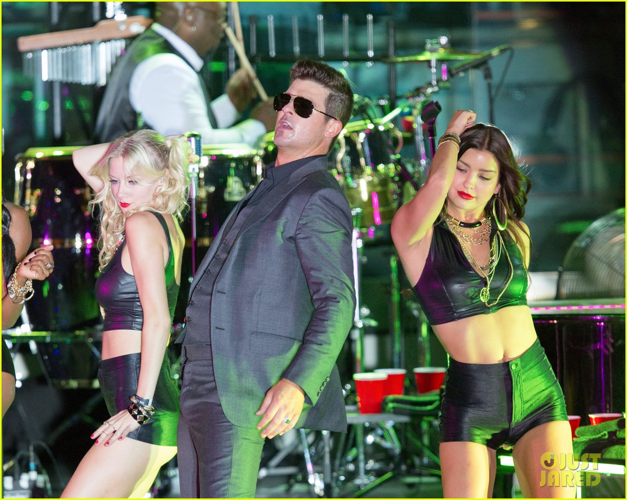 robin thicke files lawsuit to protect blurred lines 182932786