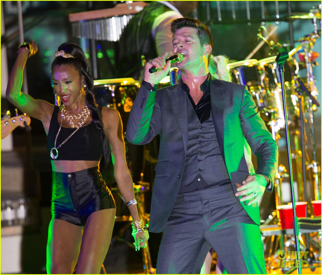robin thicke files lawsuit to protect blurred lines 202932788