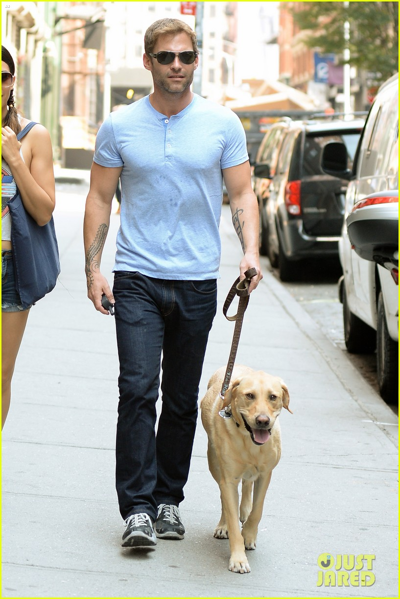 seann william scott looking super buff in new york city 052938344