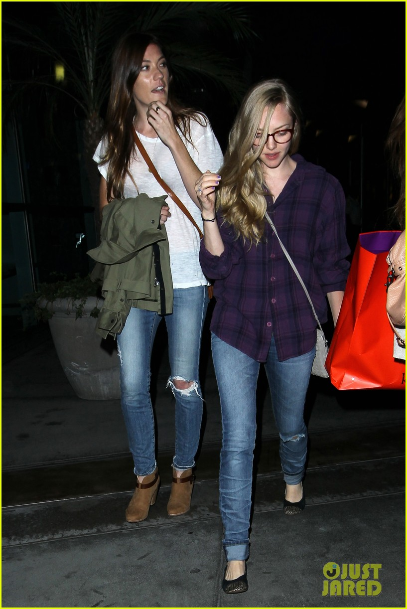 amanda seyfried had so much fun with jennifer carpenter 11