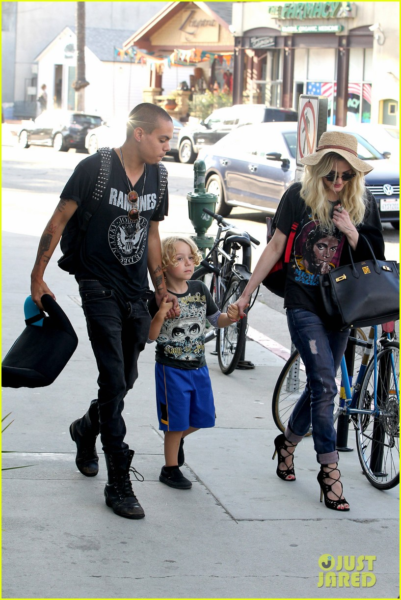 ashlee simpson bronx loves being cousin to maxwell ace 172923775