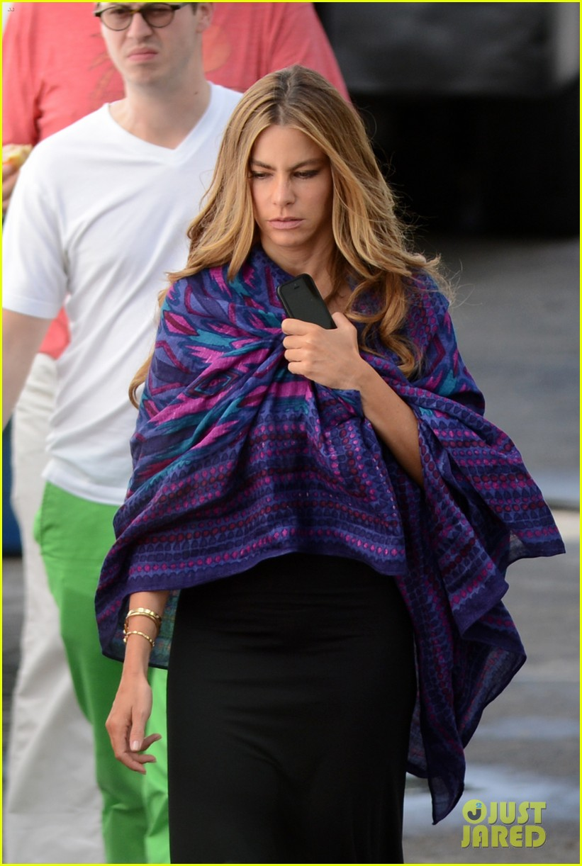 sofia vergara films chef in miami 04