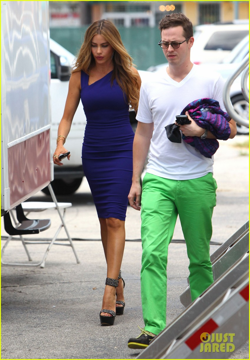 sofia vergara films chef in miami 25