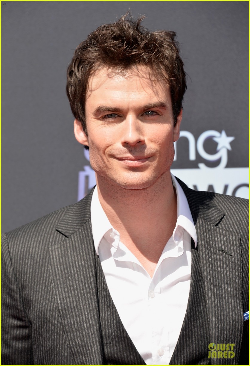 ian somerhalder young hollywood awards 2013 red carpet 02