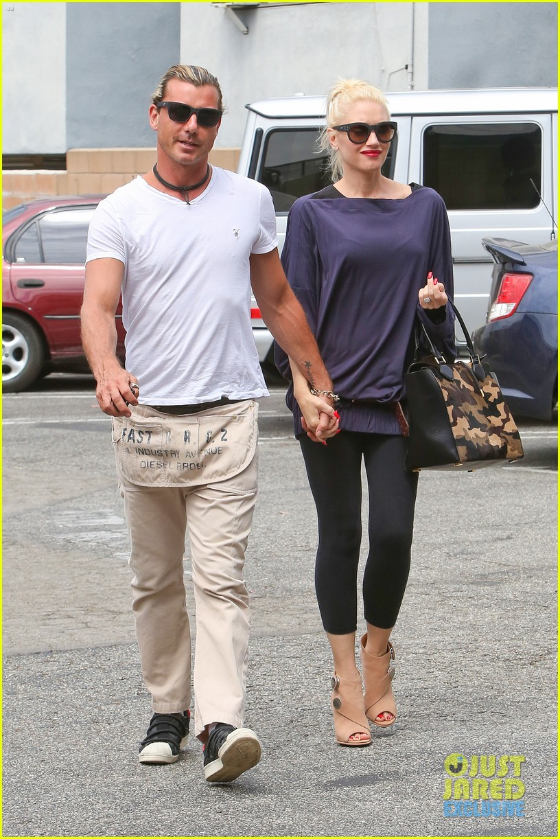 gwen stefani gavin rossdale hold hands for hugos lunch date 242940250