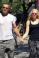 gwen stefani gavin rossdale hold hands for lunch 14