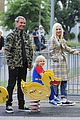 gwen stefani gavin rossdale talacre play centre with boys 01
