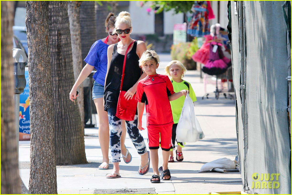 gwen stefani wishes happy birthday to no doubts adrian young 10