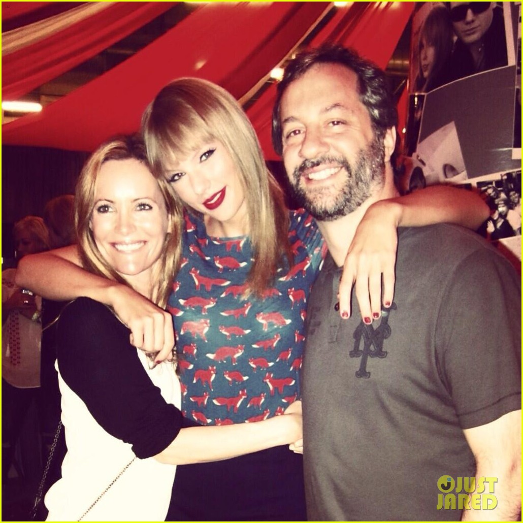 taylor swift becomes honorary Taylor Swift Family Pictures