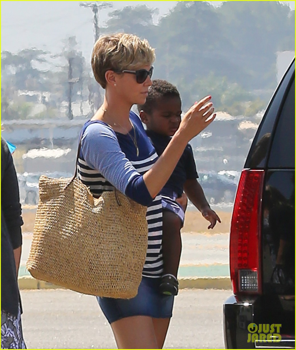 charlize theron jackson depart in los angeles together 02