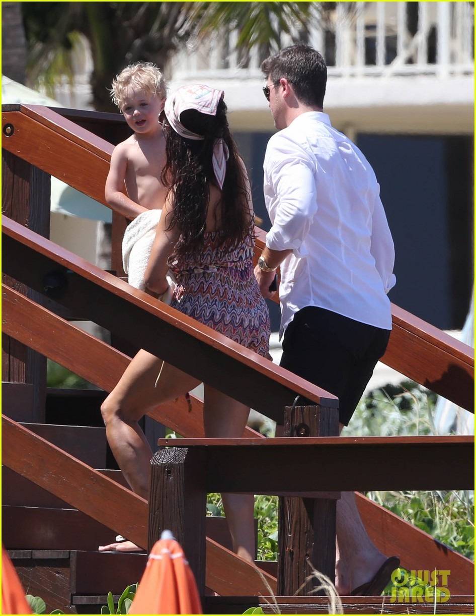 robin thicke paula patton beach day with julian 052940331