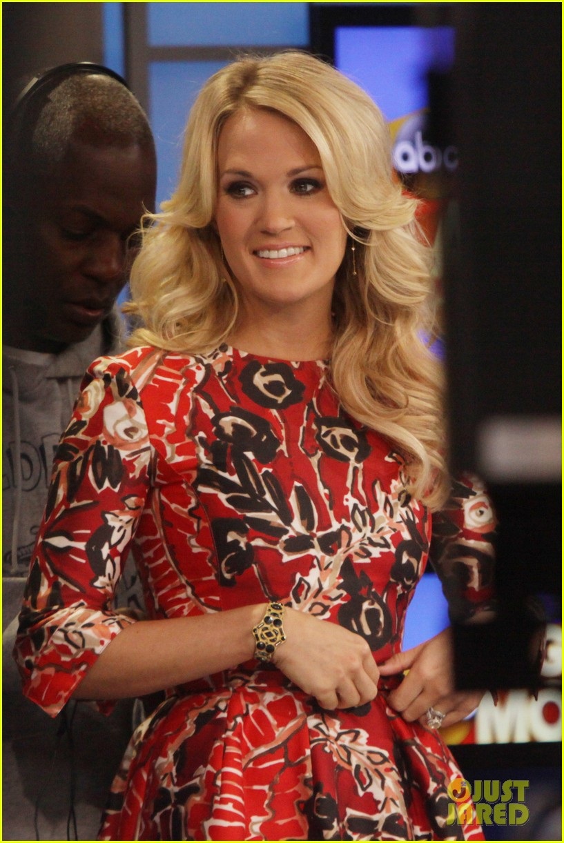 carrie underwood delivers pop news on gma 052928777