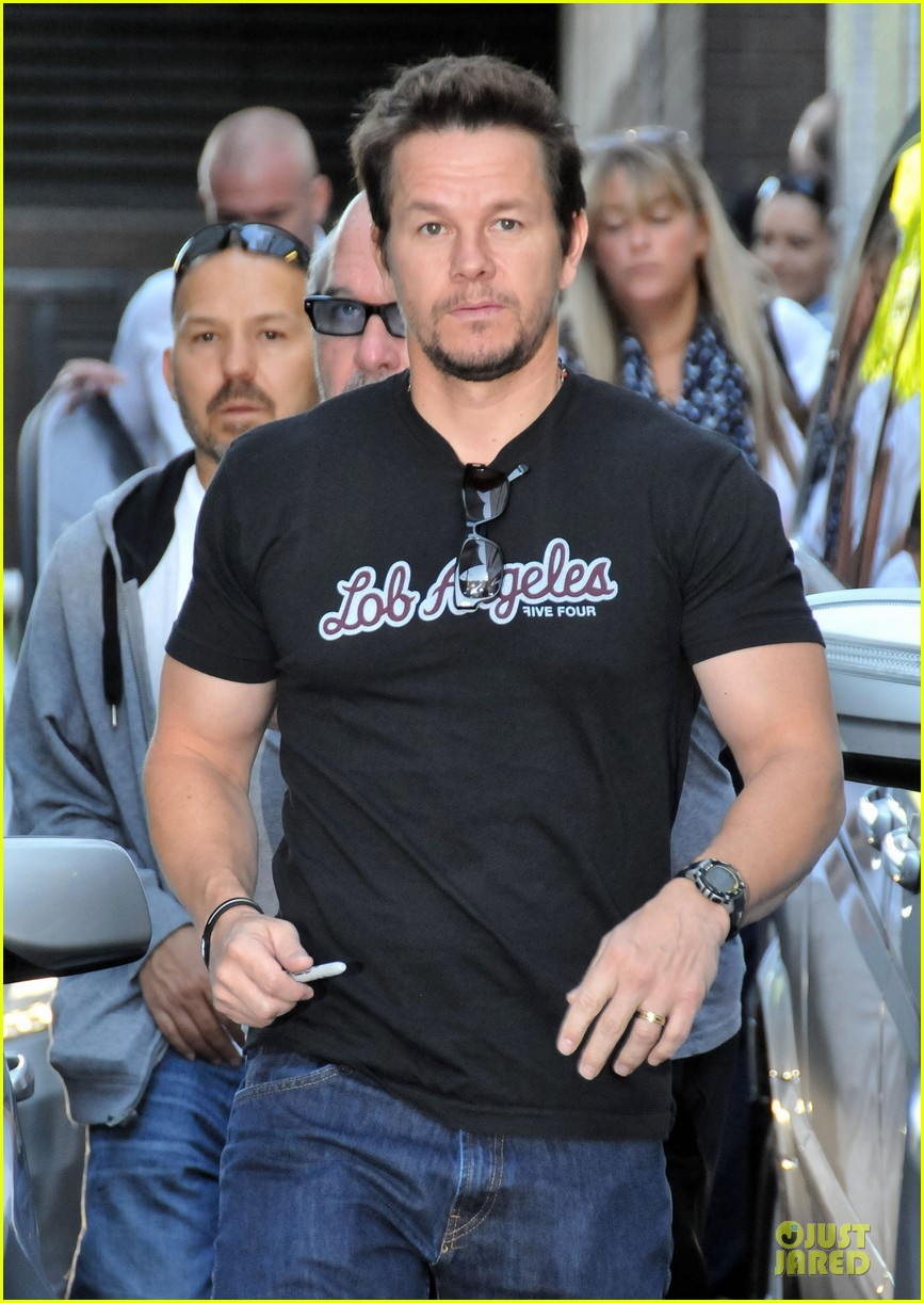 mark wahlberg gives advice for justin bieber 022925130