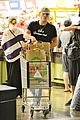 ed westwick jessica szohr shop for groceries together 03