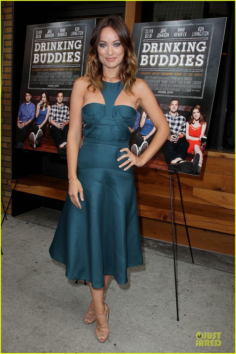 olivia wilde drinking buddies nyc screening 01