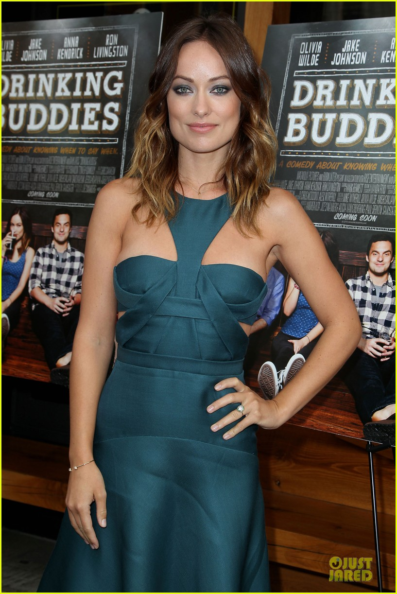 olivia wilde drinking buddies nyc screening 07