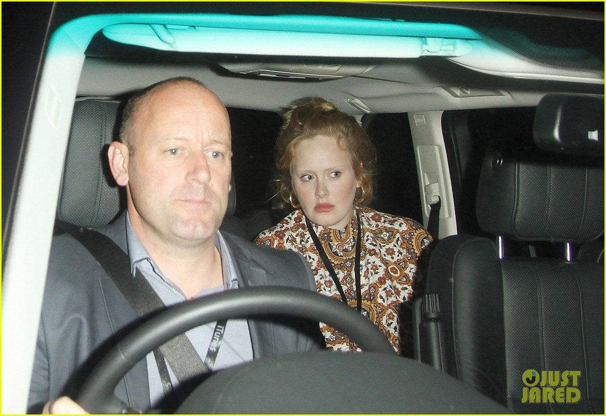 adele exits itunes festival venue after lady gaga show 04